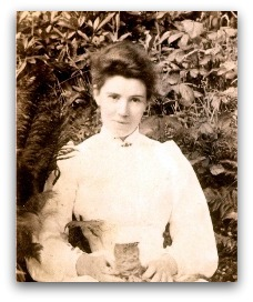 http://thedisplacednation.files.wordpress.com/2011/11/amy_carmichael_croppeddropped.jpg?w=630