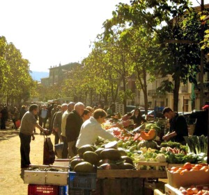 Street market in Ripoll, Spain. Photo credit: Belu.
